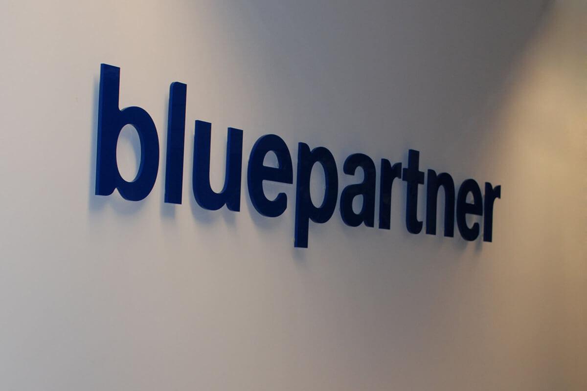 bluepartner_acryl_2